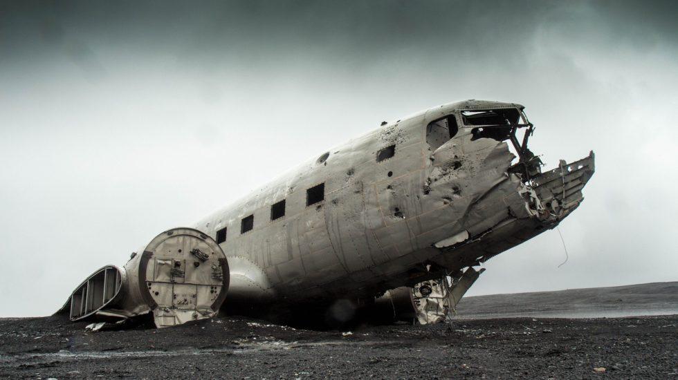 airplane-731126_1920