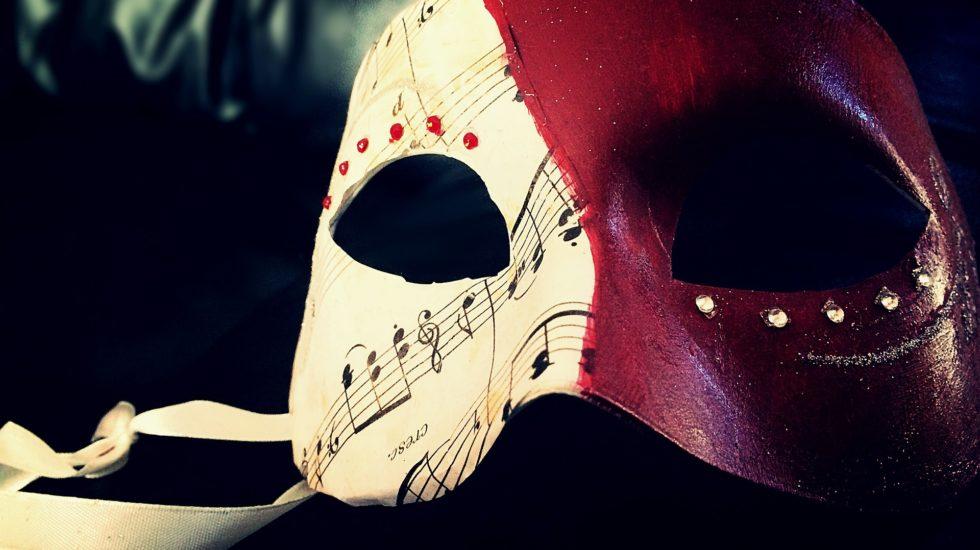 mask-1713089_1920